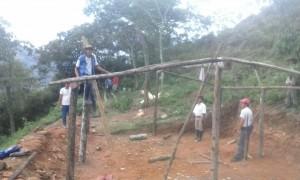 CONSTRUYENDO UN TECHO PARA FAMILIAS UNIDOS (3)