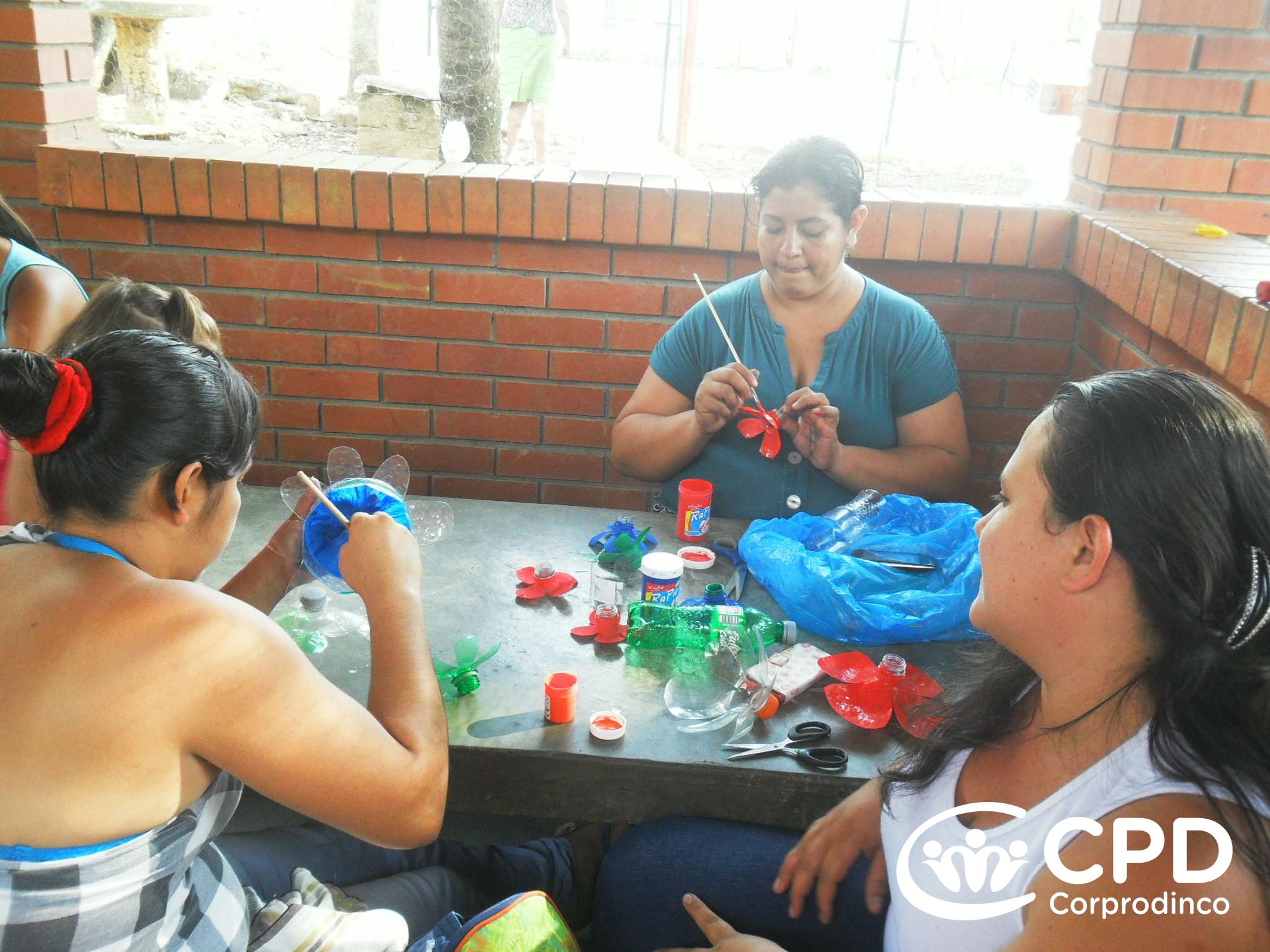 – Corprodinco Reciclable Material Con Juguetes R34qAL5j