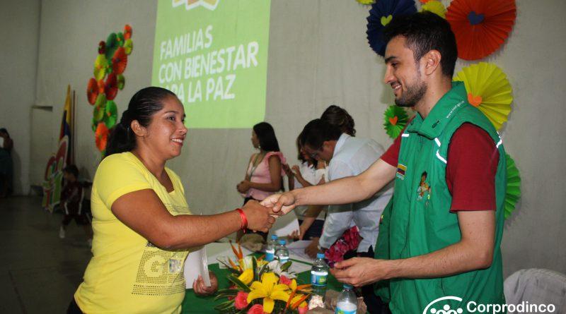 ICBF y Corprodinco, gradúan 2160 Familias para la Paz